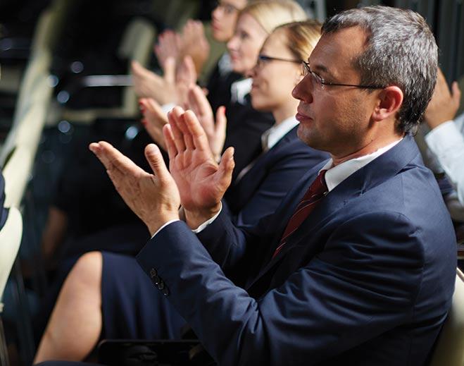 award-executives-applauding-man/