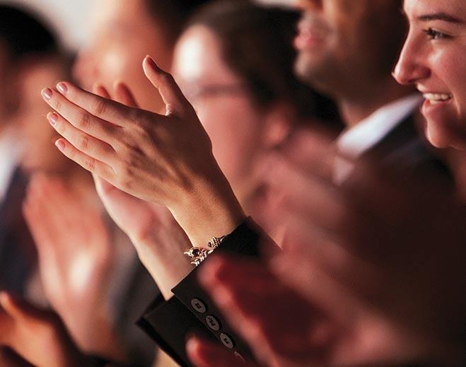 award-executives-applauding-woman/
